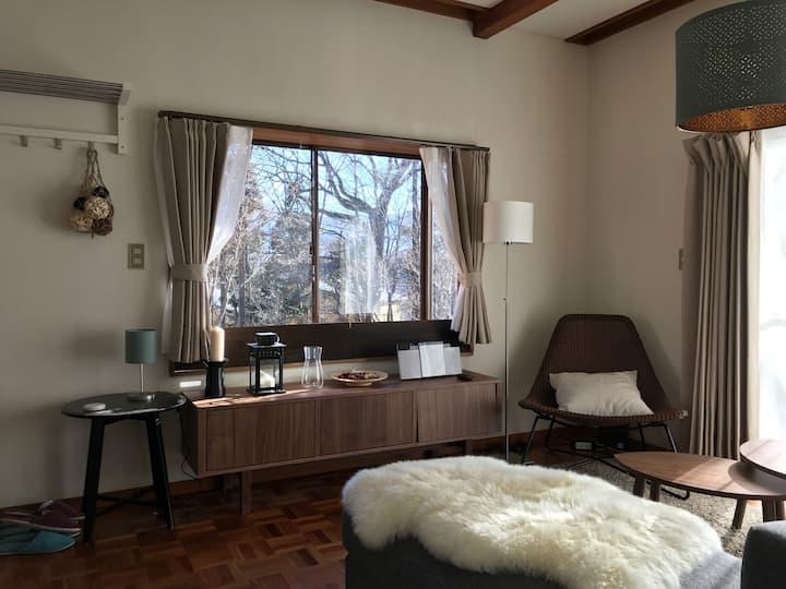 【2名様から貸切!】山中湖湖畔まで1分! 静かな貸切別荘。