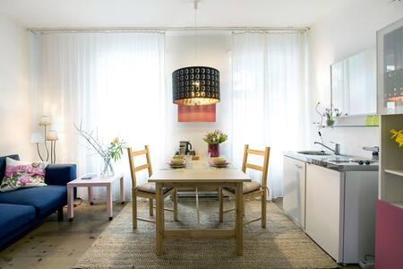 Kreuzberg: sehr ruhig, zentral, groß, gemütlich - กรุงเบอร์ลิน - ที่พักพร้อมอาหารเช้า