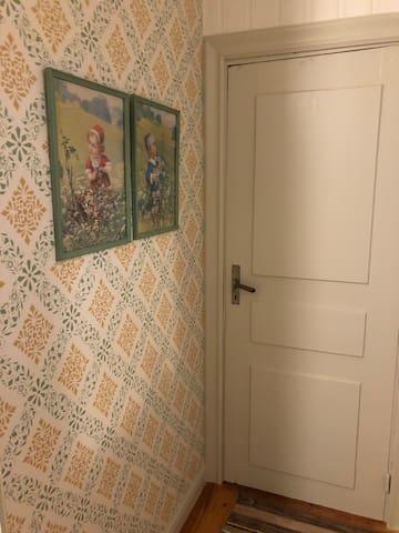 Dörren till Vardagsrummet