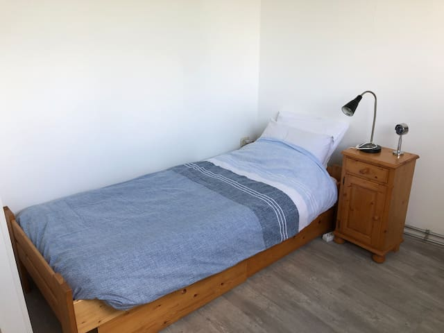 1-person bedroom 16 minutes from Amsterdam