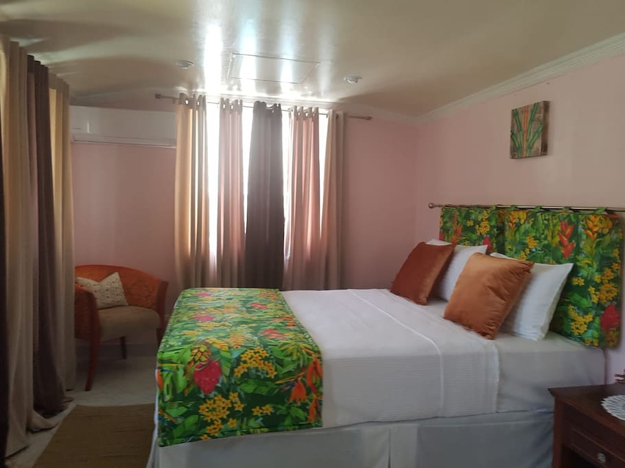 'Gros Islet' Bedroom