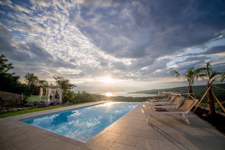 Villa Castello Sužanj - Croatia Luxury Rent