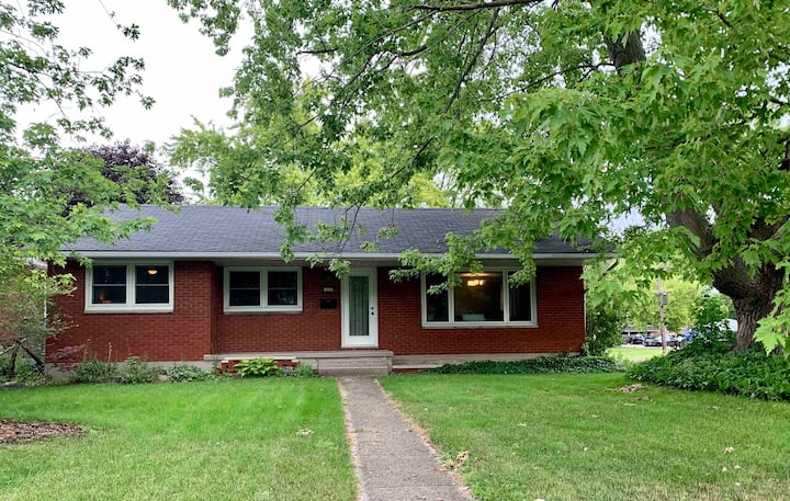 Bungalow, north central location.