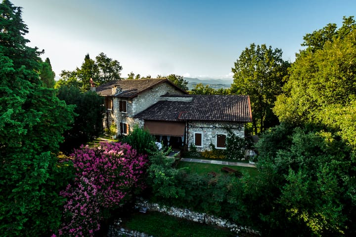 B&B Villa Matilde (Camera Matilde) - desenzano - Bed & Breakfast