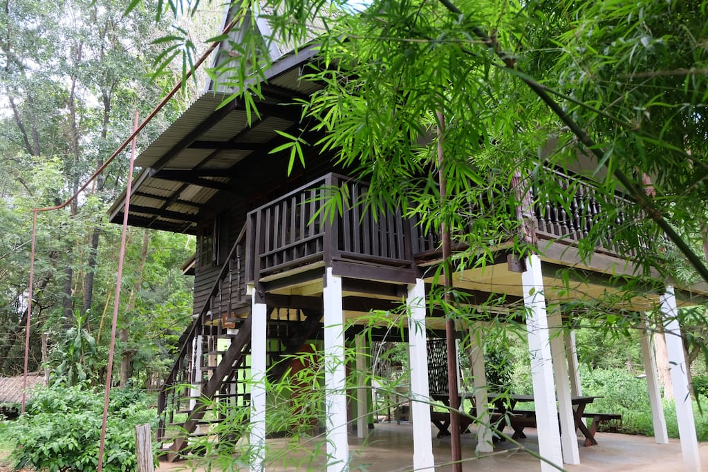 Traditional Thai styled house on high tilts with spacious use space underneath.