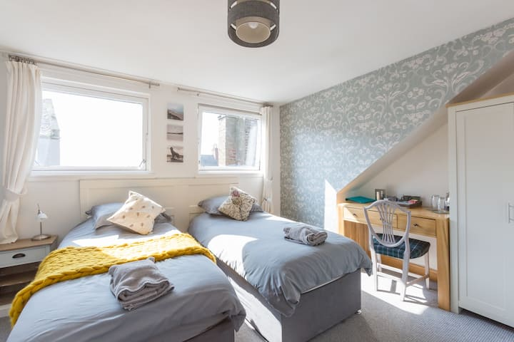 Bamse B&B Harbour View Room