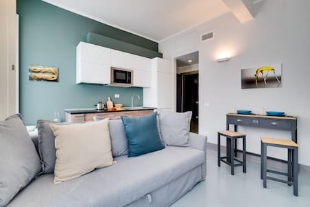 Stylish 1 Bed Flat very close to Colosseum - Roma