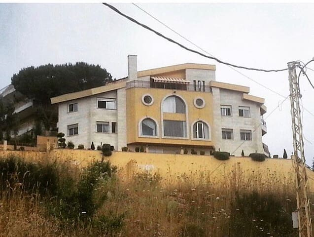 Beautiful villa & view in lebanon - Dhour El Aabadiyeh - Haus