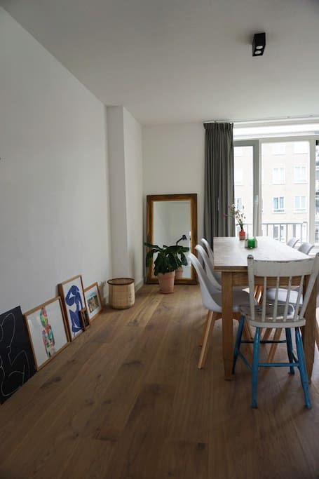 Cute and bright apartment, everything is brand new since the whole building was just renovated. Nice little details & charm of the apartment will make you feel at home.  We are located in the middle of Amsterdam-West - a super hip and quiet neighbourhood. Only 5 minutes by bike to a little beach at Sloterplas, 5 minutes walk to the best pizza bakery with the best terrace Buurman & Buurman (and many other cafes/restaurant), 8 minute walk to the local supermarket (Albert Heijn) and last but not least: super close to bike rentals to start your journey into the city!