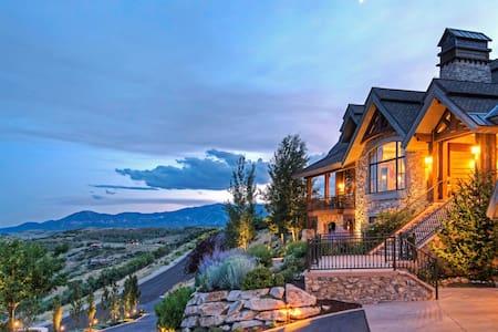 Baroc Style Luxuryous Villa - Vila