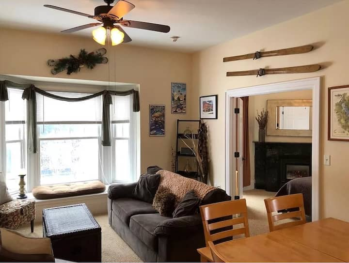 Historic Comfy Condo in the Heart of Ellicottville