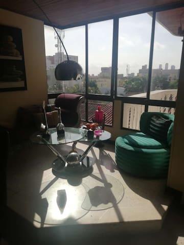 Apartamento, excelente ubicación, C.C. Buena Vista