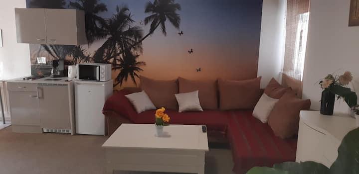 Schöne Zimmer mit eigene Küche,Bad in Krefeld City