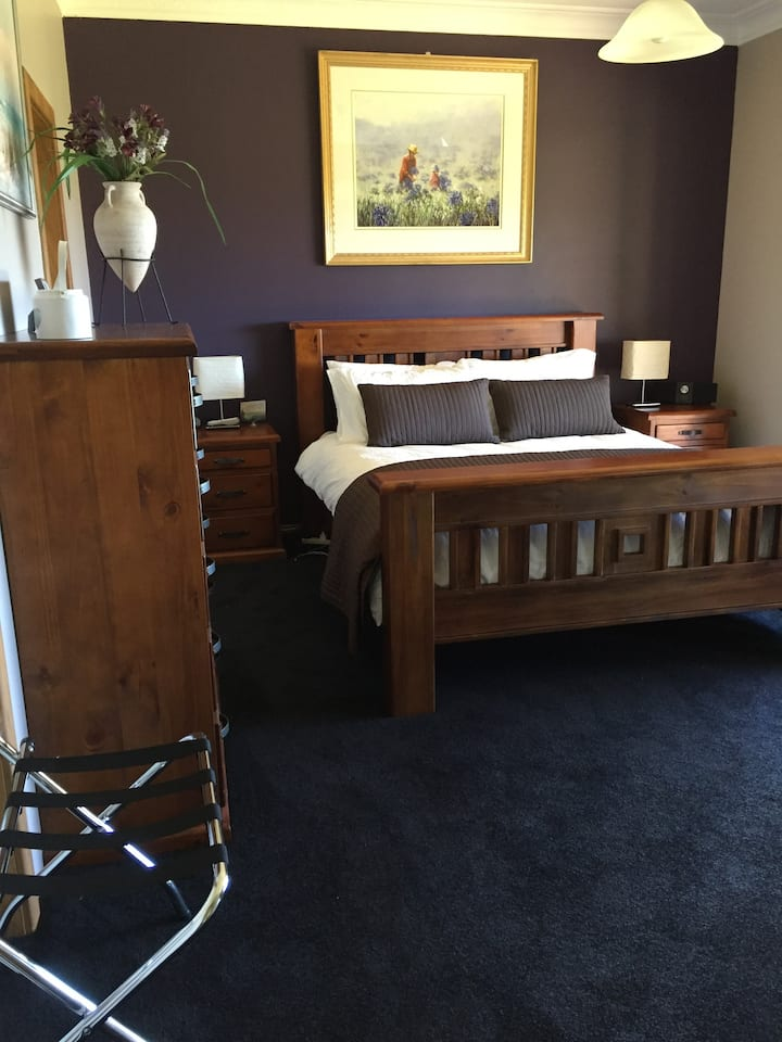 A1 Homestead Deluxe Room