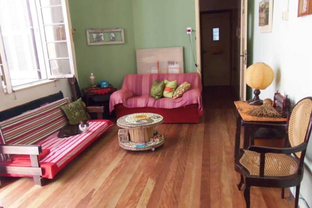 Sala de estar de uso comum.
