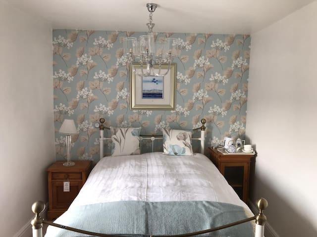 Luxury en suite bedroom, 7 miles from Harrogate