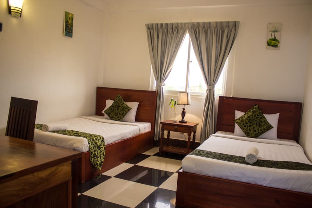 The twin bedroom has 2 twin size beds