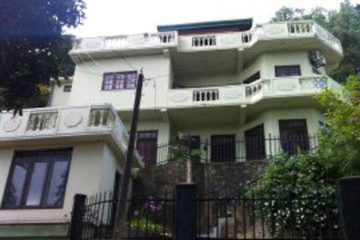 Cheliyan Villa