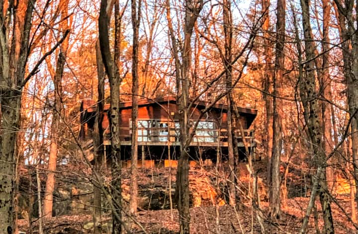 Private Cabin on 130 acres w/ Waterfall, Views