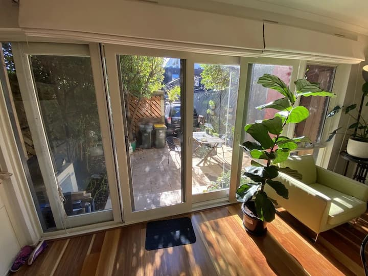 Lovely Townhouse - Vic Pde