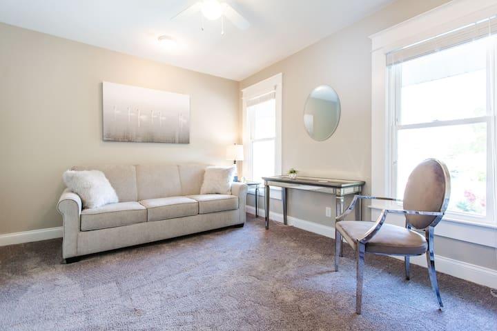 Upstairs bedroom #2 (daybed = 2 singles + queen sofa sleeper)