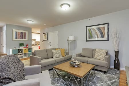 *Comfy Home* Just 30 Mins to NYC! - Cliffside Park - Wohnung