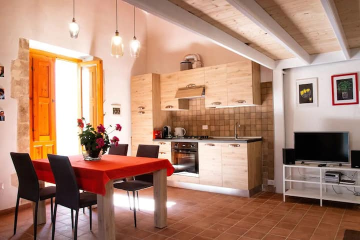Sunny Holiday Apartment Ortigia