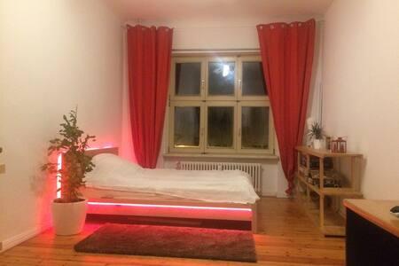 gemütliches Zimmer zum Wohlfühlen - Berlin - Apartemen