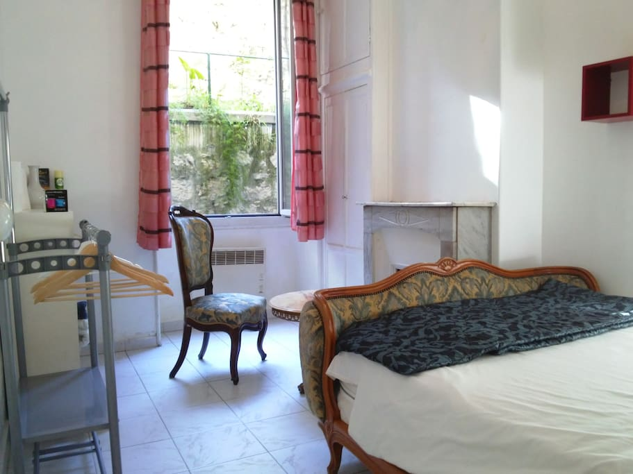 Chambre de charme appartements louer nice provence for Chambre a louer nice