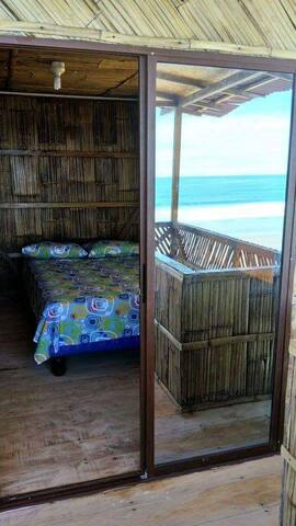 Cabaña frente al mar playa San José