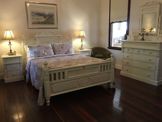 Annies Luxury Bed & Breakfast :) - Grafton - Bed & Breakfast