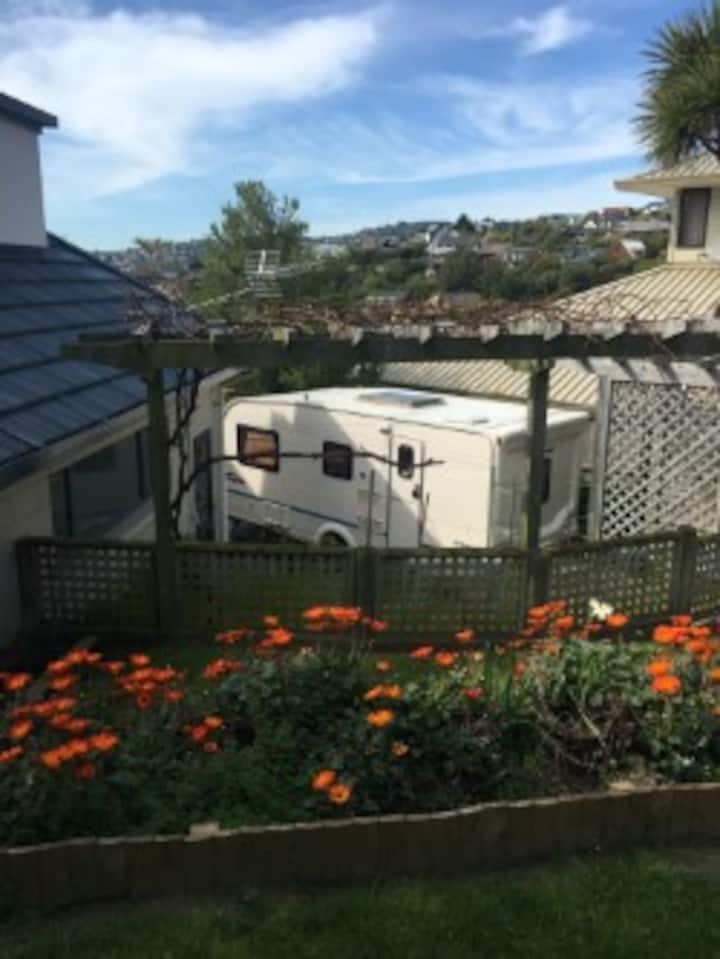 Cashmere Hills Luxury Caravan Stay