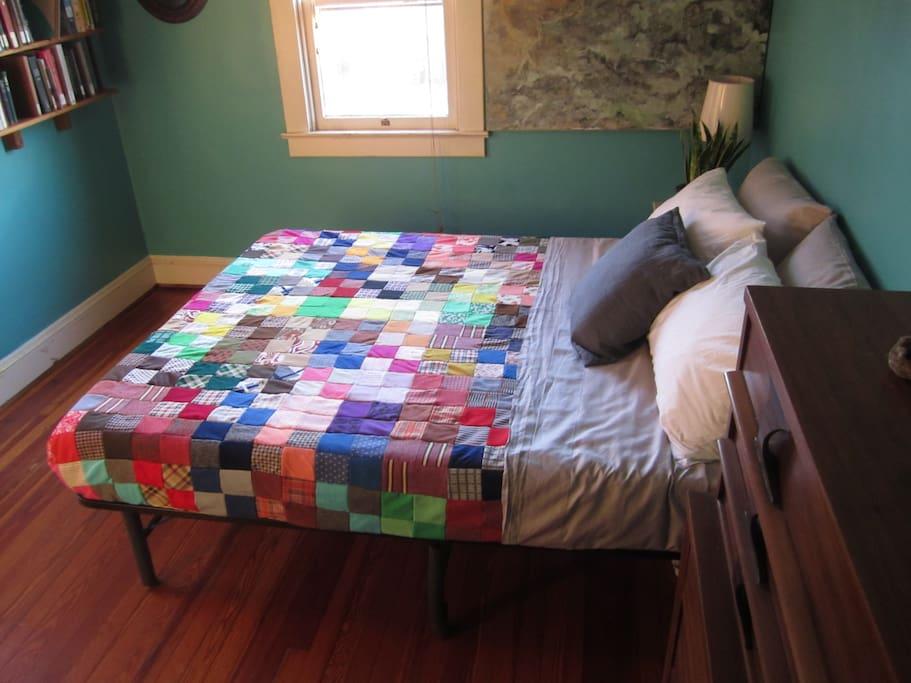 Queen room - so cozy!