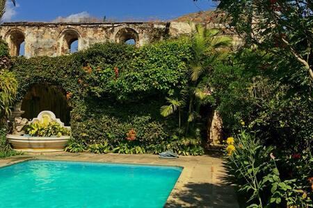 Pablo Estate w Pool Antigua