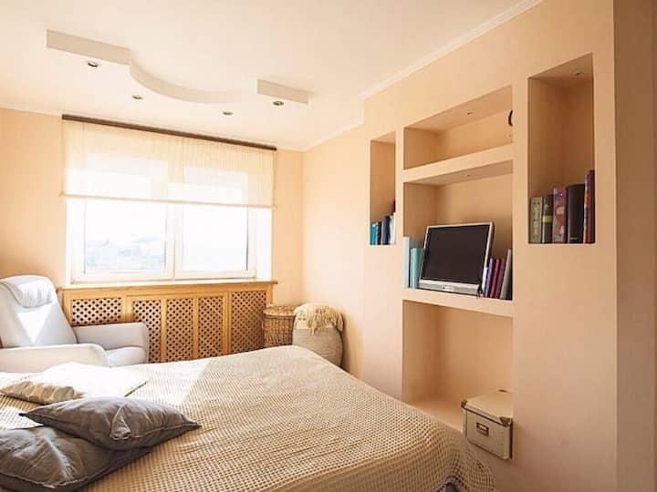 Spacious apartment of 2 rooms in Krasnozvyozdnaya