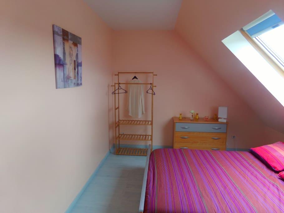 chambre orchid e guest houses louer sainte jamme sur sarthe pays de la loire france. Black Bedroom Furniture Sets. Home Design Ideas