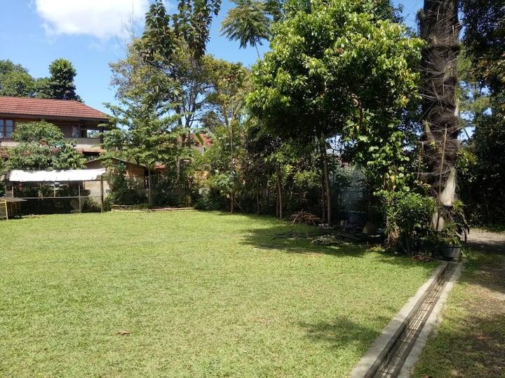 Cozy Room at Hotel at Sukarasa Lembang