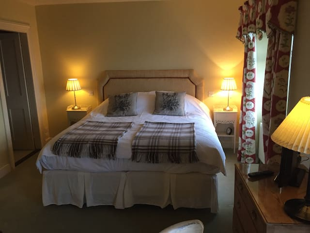Super king size deluxe ensuite - Stamford - Bed & Breakfast