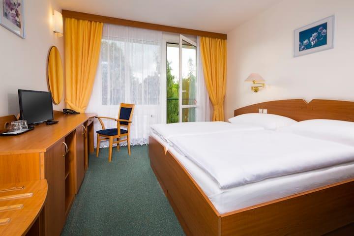 Hotel Nový Dům, služby a jedinečná příroda kolem