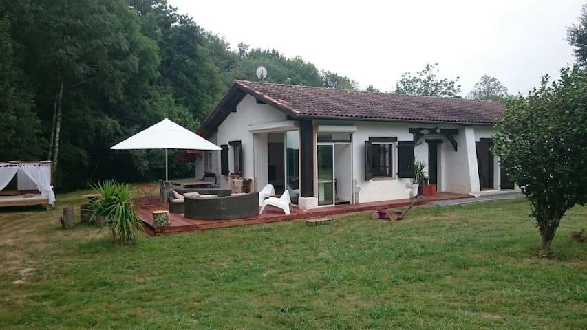 Maison de charme en pleine nature - Ossès, Aquitaine-Limousin-Poitou-Charentes, FR - Rumah