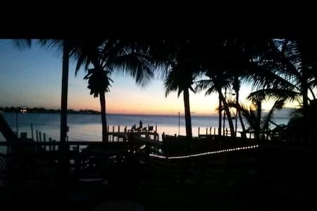 Beautiful Sunsets at Conchs Cove Getaway 1br 1bth