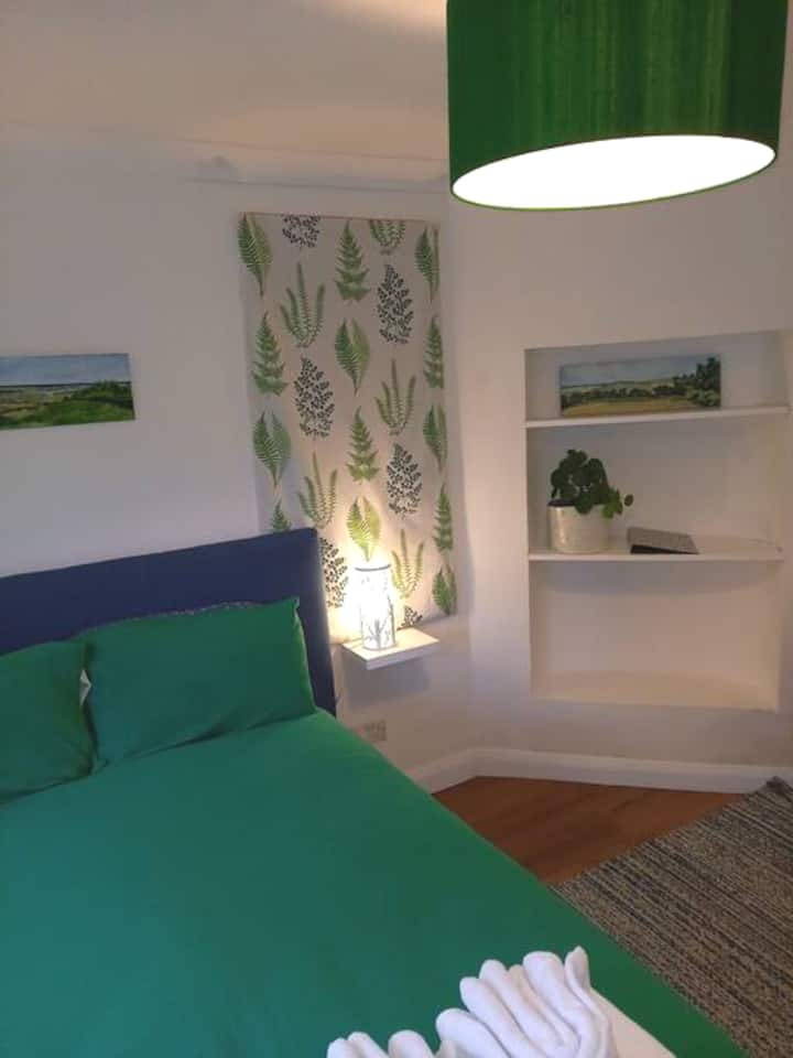 Double room, town centre.