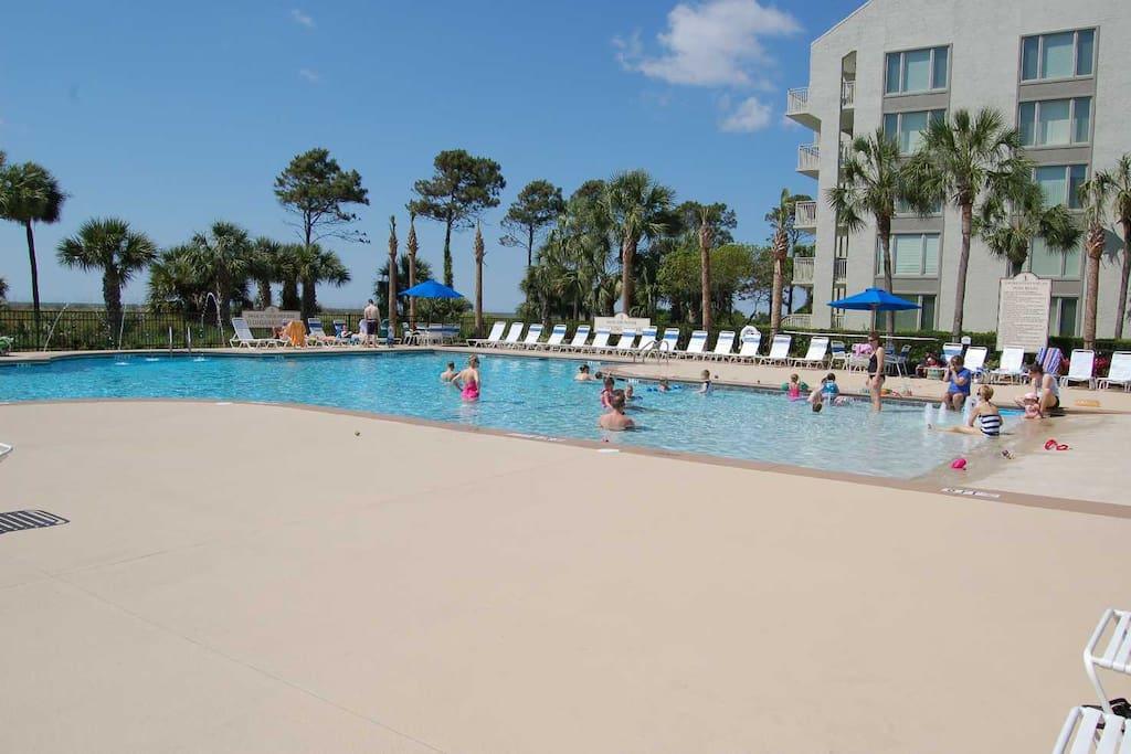 Pool w/ Kiddy Pool and Spa