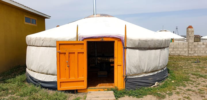 Cosy yurt with double bed