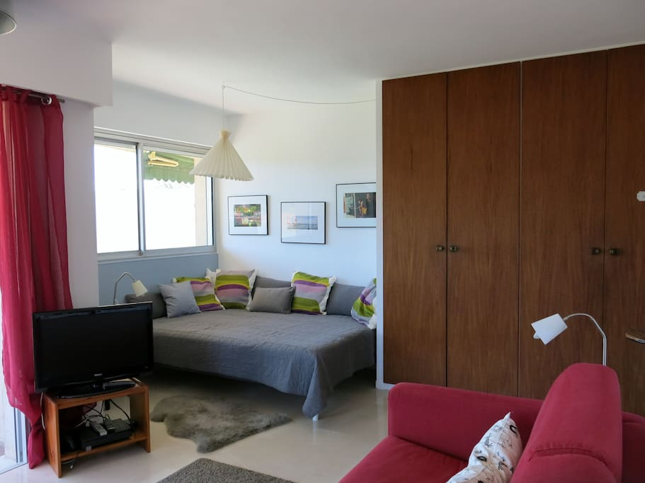 Bed corner and large cupboard space