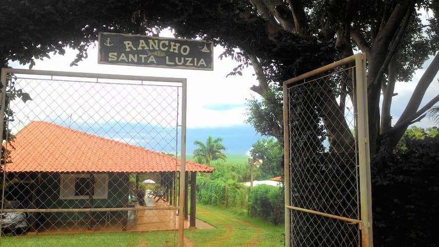 Rancho SANTA LUZIA - Bariri - Cabane