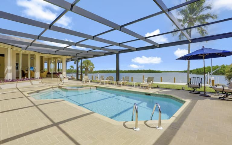 125 MARCO ISLAND SECLUDED DIRECT WATERFRONT ESTATE