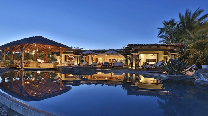 Phenomenal Villa with Ocean View, Home Gym and located on a Golf Course