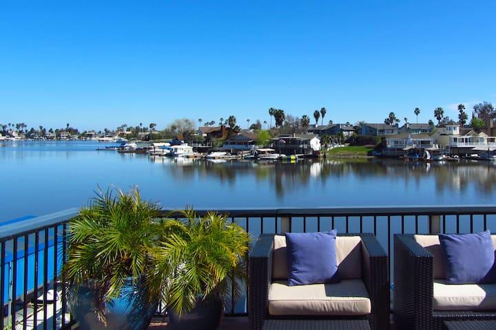 Large Group Rental - Premium Beachfront Location