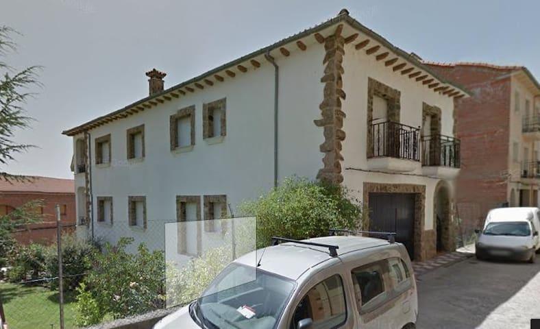 Casa con jardin (amplios) - Jarandilla de la Vera - Casa